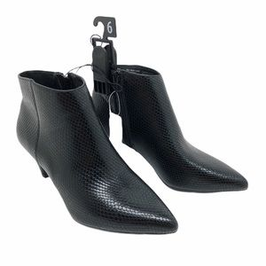(SH-132) Time and Tru BootS Heel Black Size 6